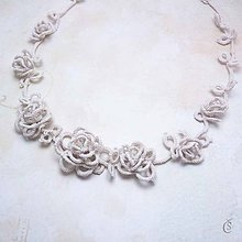 Náhrdelníky - Růžičkový náhrdelník - 8258466_