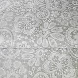 Textil - svetlosivá výšivka; 100 % bavlna, šírka 140 cm, cena za 0,5 m - 8260352_