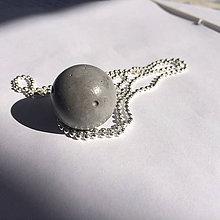 Náhrdelníky - Betónový náhrdelník Gray MOON - 8260623_