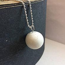 Náhrdelníky - Betónový náhrdelník White MOON - 8260714_