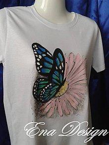 Tričká - tričko ručne maľované - Sedím na kvetinke a je mi fájn... - 8268231_
