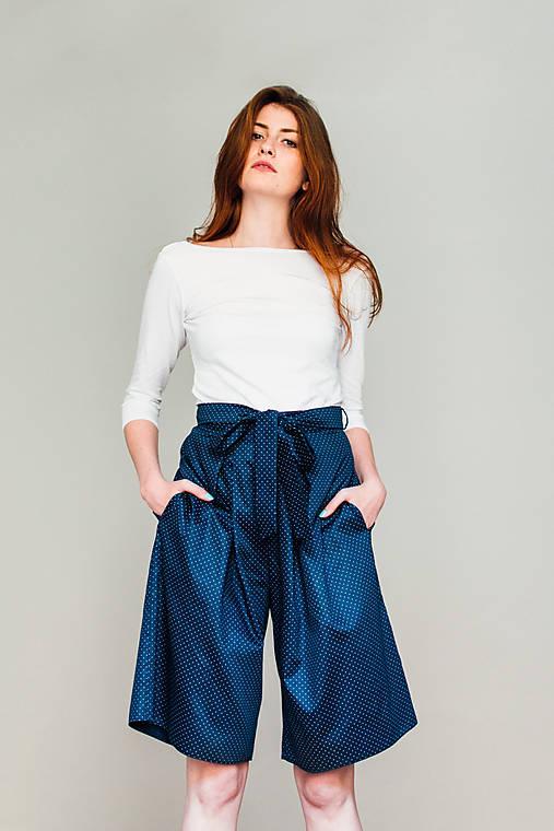 Nohavice - Culottes s protisklady a drobným puntíkem - 8267731_