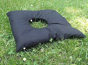 Úžitkový textil - podsedák s otvorom - čierny - 8266817_