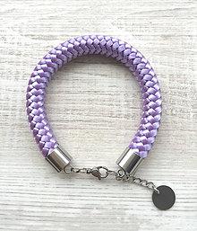 Náramky - Náramok lilac s karabínkou - 8267199_