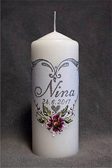 Svietidlá a sviečky - krstová sviečka so srdiečkom a kvietkami - strieborná - 8269602_