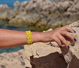 Náramky - Náramok žltý, kvietkovaný - 8271183_