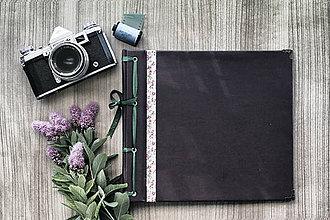 Papiernictvo - Fotoalbum klasický, papierový obal so štruktúrou a stužkou s potlačou kvetín - 8273015_