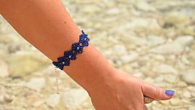 Náramky - Náramok kráľovská modrá, kvietkovaný - 8271929_