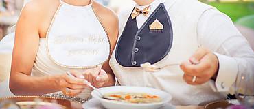 Iné doplnky - Svadobné podbradníky Sme svoji zlaté (S vyšívanými menami a dátumom) - 8280075_