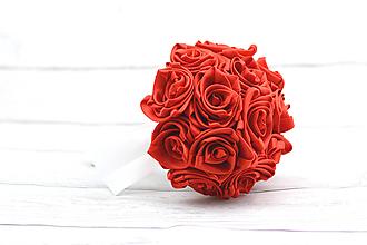 Kytice pre nevestu - Saténová kytica svadobná červená ruže - 8282365_