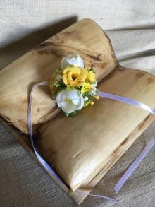 Pierka - svadobný náramok žlto-biely pre družičky - 8285640_