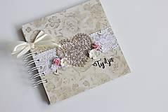 Papiernictvo - Kniha hostí - srdce  - 8284425_