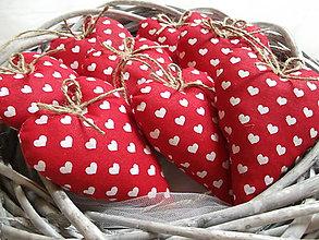 Darčeky pre svadobčanov - Červené svadobné srdiečká - 8284578_
