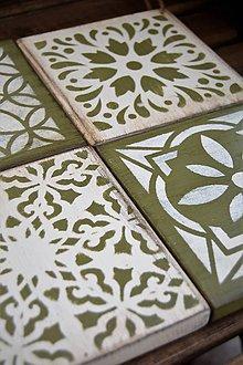 Pomôcky - Drevené dlaždice v kombinácii olivovozelenej a krémovej bielej - 8288443_