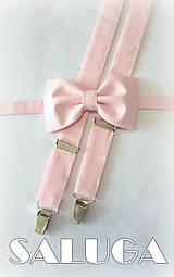 Svetlý ružový pánsky motýlik a traky - set