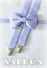 Pánsky svetlý fialový motýlik a traky - kvetinový - biely