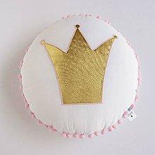 Textil - Vankúšik so zlatou korunkou v ružovom - 8292161_