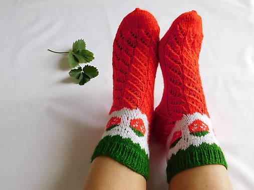 9dcae3501 Ponožky s jahôdkami a dierkovaným vzorom (v.38-40) / Eva64 - SAShE ...