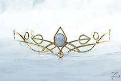 - Mosadzná zlatá tiara s mesačným kameňom- Rozkvitnutie II. - 8295737_