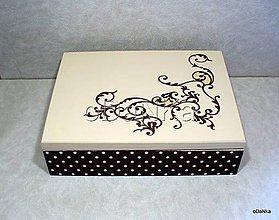 Krabičky - drevená šperkovnica so zrkadlom Bodkovaná - 8298151_