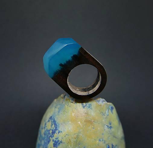 Drevený prsteň: Hmla nad mestom