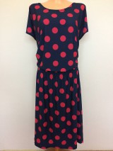 Šaty - Šaty s puntíky-žabkované v pase - 8296464_