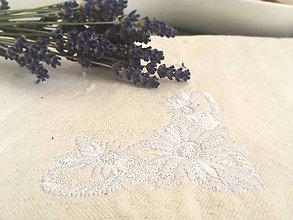 Úžitkový textil - Utierka s výšivkou z ručne tkaného ľanu - 8297517_