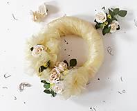 Dekorácie - Veniec na dvere Vintage organza s ružami - AKCIA - 8300086_