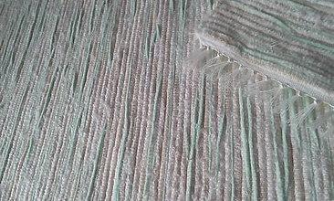 Úžitkový textil - Koberček s jemnou mätovou kresbou - 8299943_