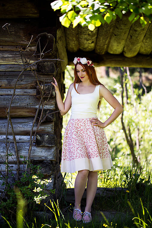 Kvetinková sukňa