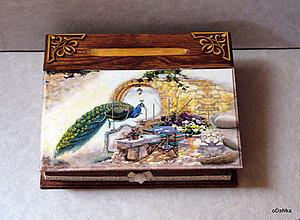 Nábytok - drevený sekretárik Páv - 8302043_