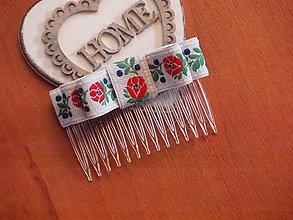Ozdoby do vlasov - Folklórny hrebienok s farebným vzorom - 8302114_