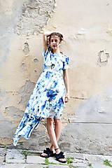 Šaty - Pompézne bavlnené šaty s modrými kvetmi- zľava - 8301483_