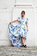 Šaty - Pompézne bavlnené šaty s modrými kvetmi- zľava - 8301491_