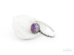 Prstene - CERTIFIKÁT 925 Strieborný prsteň s prírodným ametystom - 8302677_