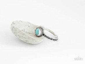 Prstene - CERTIFIKÁT 925 Strieborný prsteň s prírodným modrým topásom - 8303832_
