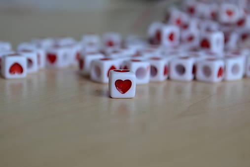 Korálka srdce 7mm, 0.05€/ks