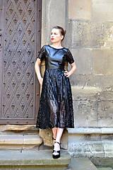 Šaty - Čierne koženkovo-tylové šaty femme fatale - 8303825_