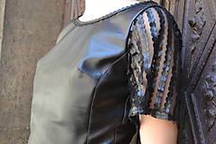 Šaty - Čierne koženkovo-tylové šaty femme fatale - 8303830_