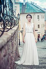 Šaty - Korálikmi výšívané dlhé šaty - 8312643_