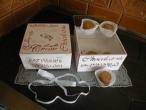 Drobnosti - Krabička z francouzské cukrárny hnědá - 8320837_