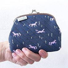 Peňaženky - Peňaženka XL Fialové kone - 8318607_