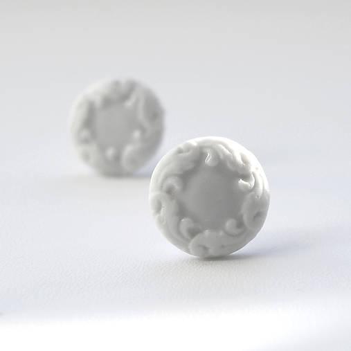 Napichovacie náušnice / Pecky biele baroko