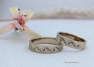 Prstene - Zlaté obrúčky s folklórnym vzorom - Sliezko - 8319918_
