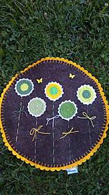 Úžitkový textil - jarná lúka - koberček z ovčieho rúna - Ihneď k odberu - 8321684_