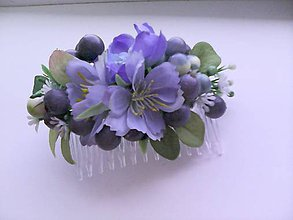"""Ozdoby do vlasov - Kvetinový hrebienok do vlasov """"...máš modré ústa od čučoriedok..."""" - 8322511_"""