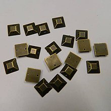 Iný materiál - Našívacie kamienky štvorcové mosadzné 10mm - 8323398_