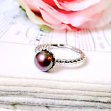 Prstene - Simple Freshwater Burgundy Pearl Ring / Prsteň s bordovou sladkovodnou perlou /0561 - 8324633_