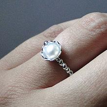 Prstene - Simple Freshwater White Pearl Ring / Prsteň s bielou sladkovodnou perlou /0561 - 8324334_