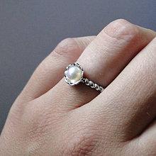 Prstene - Simple Freshwater Peach Pearl Ring / Prsteň s broskyňovou sladkovodnou perlou /0561 - 8324598_